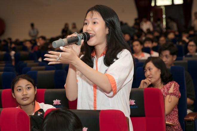 Hoa hậu Hương Giang: Sách quý giúp bạn trẻ sống tích cực - ảnh 5