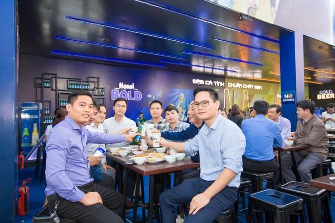 Người dân Phú Thọ nô nức rủ nhau tới Lễ hội Bia Hà Nội 2019 - ảnh 1