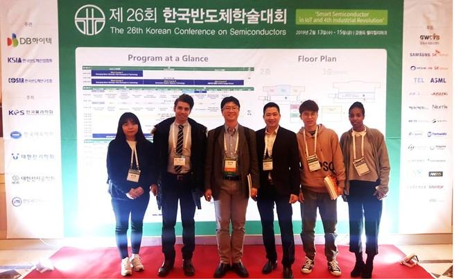 Nhà khoa học trẻ ĐH Duy Tân được trao Giải thưởng KHCN và Đổi mới ASEAN-Hàn Quốc - ảnh 2