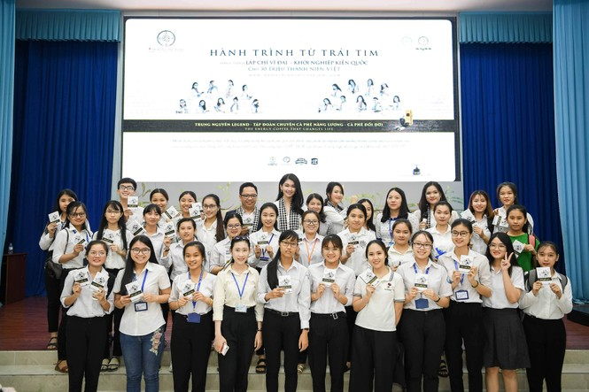 Á hậu Thùy Dung: Sách quý giúp bạn trẻ nung chí khởi nghiệp - ảnh 2
