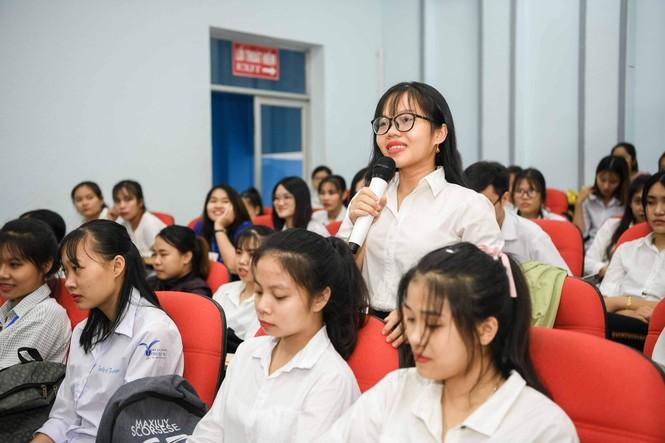 Á hậu Thùy Dung: Sách quý giúp bạn trẻ nung chí khởi nghiệp - ảnh 6