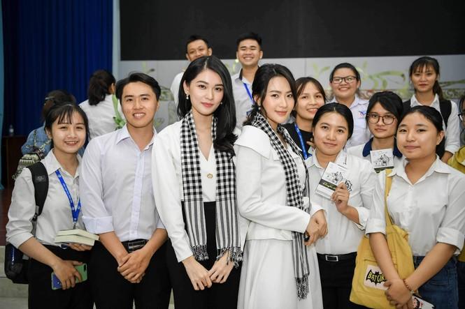 Á hậu Thùy Dung: Sách quý giúp bạn trẻ nung chí khởi nghiệp - ảnh 7