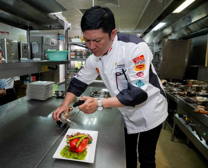 Bí mật sau những món ăn siêu công phu của nhà hàng 'quý tộc buộc phải đến' - ảnh 5