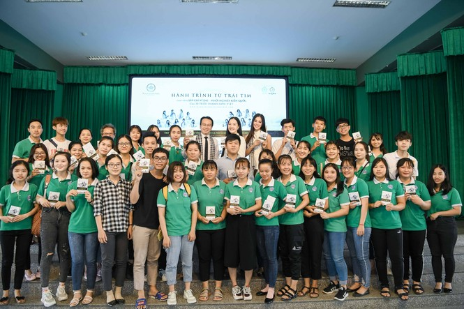 Hoa hậu Tiểu Vy: Tri thức là chiếc vương miện quý bền vững - ảnh 4