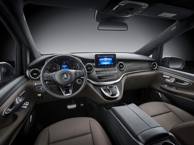 Mercedes-Benz V-Class mới có giá bán từ gần 2,6 tỷ đồng ở Việt Nam - ảnh 3
