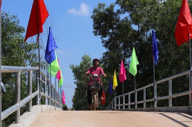 VWS hỗ trợ xây cầu giao thông nông thôn ở Long An - ảnh 1