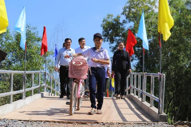 VWS hỗ trợ xây cầu giao thông nông thôn ở Long An - ảnh 2