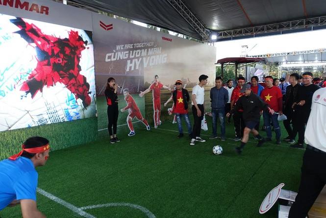 Yanmar mở gian hàng nhà tài trợ cổ vũ bóng đá trận đấu Việt Nam - Thái Lan - ảnh 2