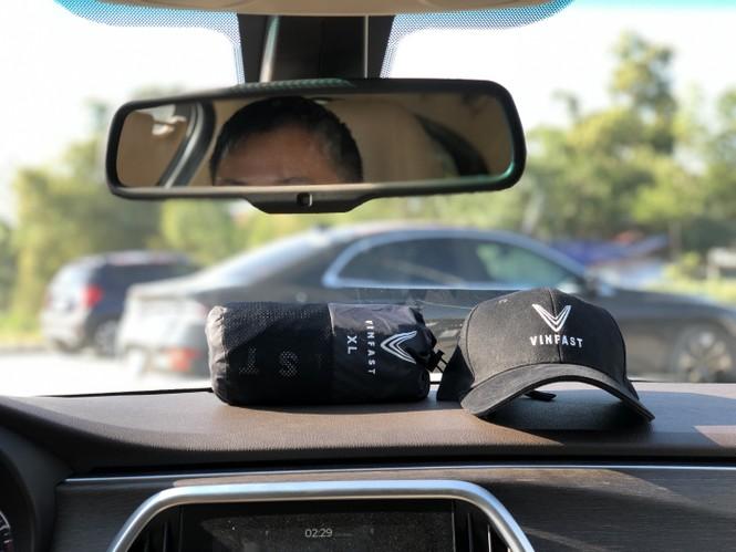 Trong xe VinFast đi hành trình chinh phục địa đầu Tổ quốc Hà Giang có những gì? - ảnh 10