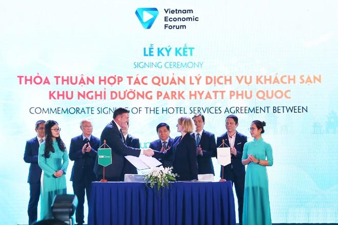 Bim Land và Hyatt ký kết thỏa thuận hợp tác ở diễn đàn cấp cao du lịch VN 2019 - ảnh 1