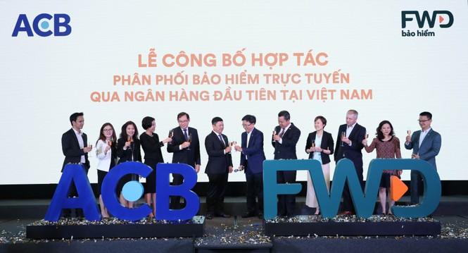 Bảo hiểm FWD lựa chọn phân phối bảo hiểm trực tuyến qua Ngân hàng ACB - ảnh 1