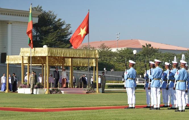 Lễ đón Thủ tướng Nguyễn Xuân Phúc thăm chính thức Myanmar - ảnh 1