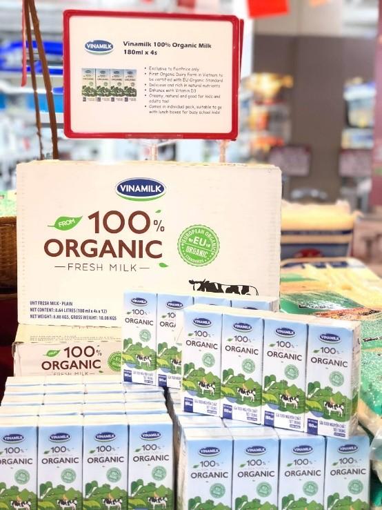 Sữa tươi Ogranic của Vinamilk 'bắt sóng' người tiêu dùng Singapore - ảnh 3