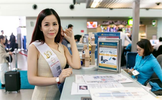 Á hậu Oanh Lê lên đường tham gia đấu trường Hoa hậu quốc tế - ảnh 2