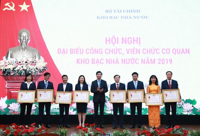 Kho bạc Nhà nước tổ chức Hội nghị công chức, viên chức cơ quan KBNN năm 2019 - ảnh 7