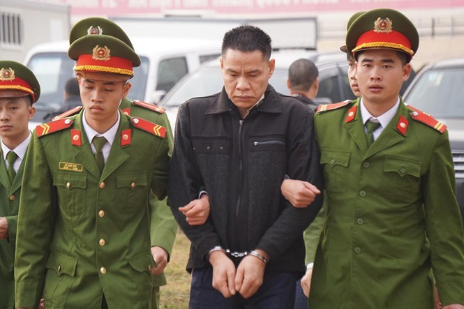 Cận cảnh 9 bị cáo liên quan vụ sát hại nữ sinh Điện Biên - ảnh 1