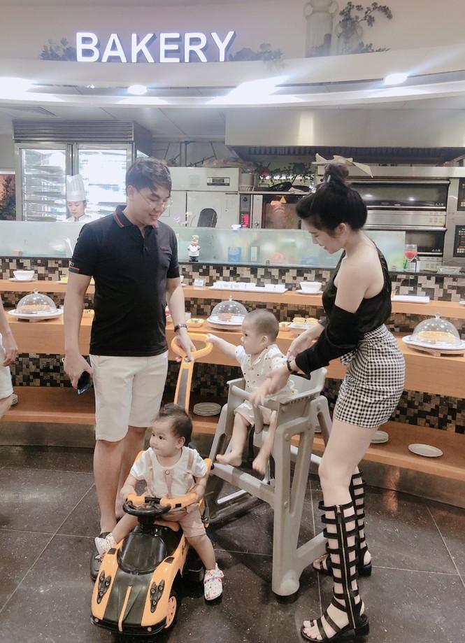 Gia đình nhỏ hạnh phúc của cặp vợ chồng nữ doanh nhân Phan Phạm Phương Uyên - ảnh 3