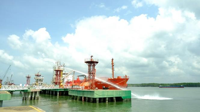 KVT diễn tập tình huống an ninh cảng biển và ứng phó sự cố tràn dầu 2020 - ảnh 1