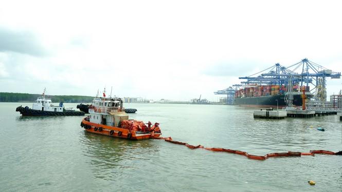 KVT diễn tập tình huống an ninh cảng biển và ứng phó sự cố tràn dầu 2020 - ảnh 2