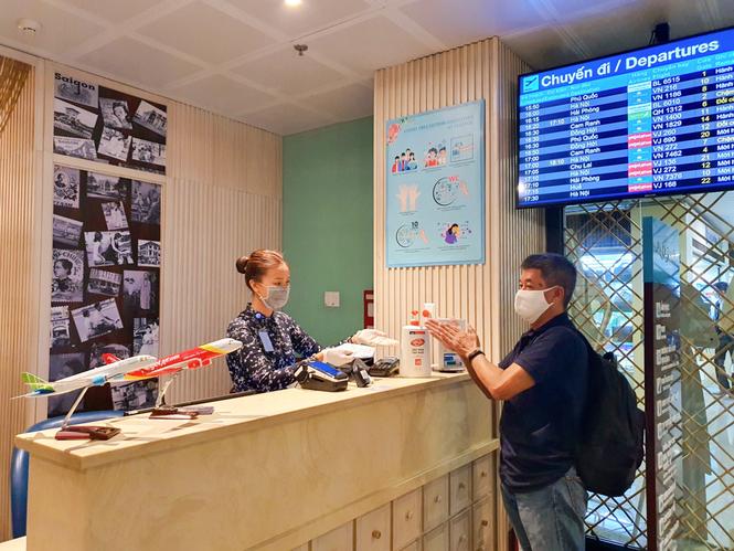 Unilever cùng Cảng hàng không quốc tế Tân Sơn Nhất phòng dịch cho hành khách - ảnh 3
