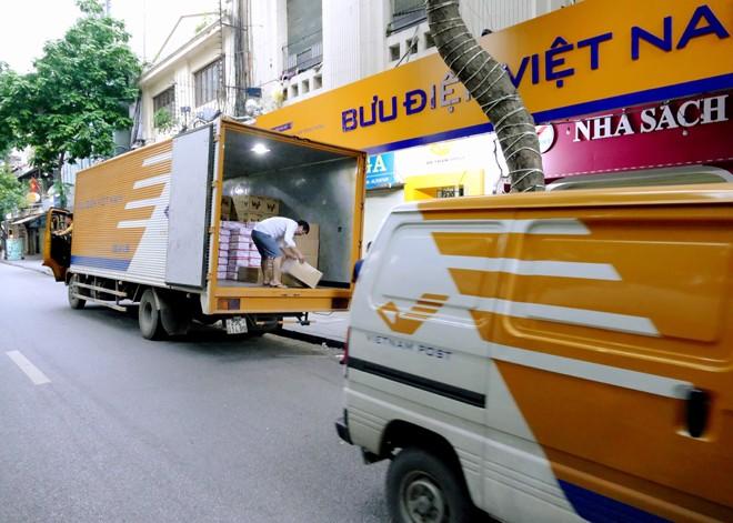 Ấm áp tình người Bưu điện trong bão lũ - ảnh 5