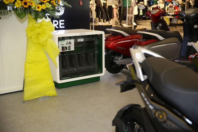 VinFast đồng loạt khai trương 21 showroom ô tô và xe máy điện - ảnh 2