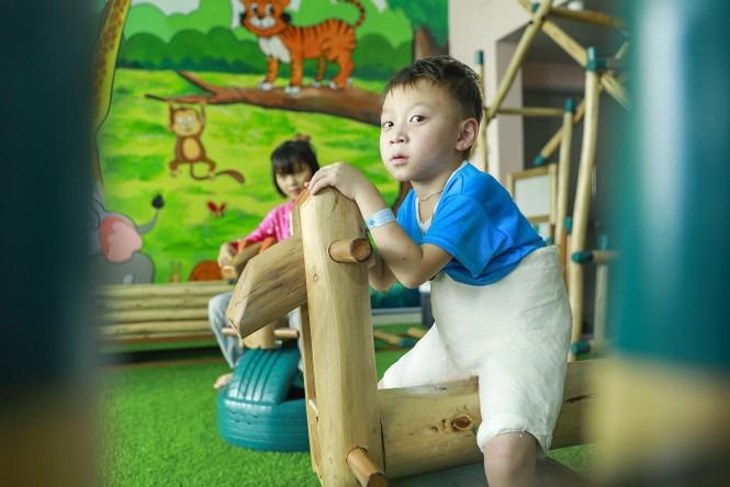 ABBank trao tặng khu vui chơi cho bệnh nhi tại bệnh viện nhi TW Hà Nội - ảnh 6
