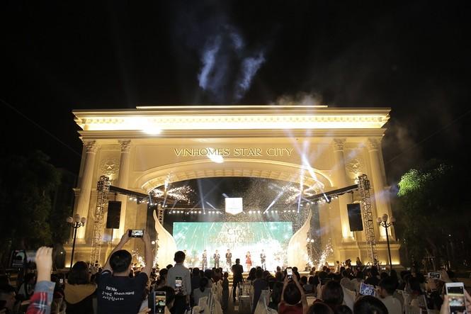 Vinhomes Star City khai trương cổng chào Victoria và quảng trường ánh sáng - ảnh 1