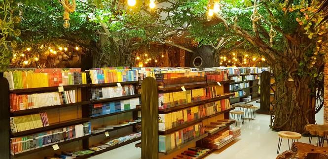 Tặng 500 thẻ mua hàng, nhiều khuyến mãi dịp khai trương Nhà sách Tiền Phong 128 Xuân Thủy - ảnh 4