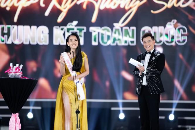 CEO Lê Thị Hồng Nhung cảm động khi đồng hành cùng chuỗi dự án người đẹp nhân ái - ảnh 1