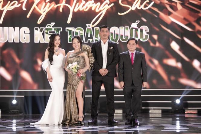 CEO Lê Thị Hồng Nhung cảm động khi đồng hành cùng chuỗi dự án người đẹp nhân ái - ảnh 2