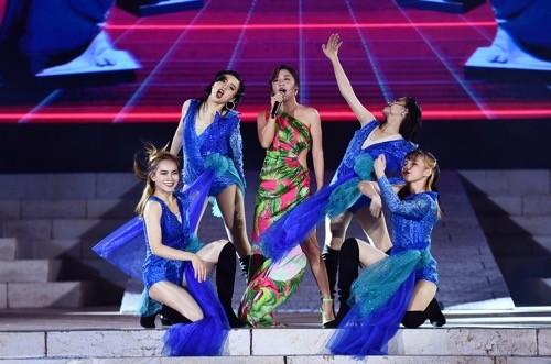 """Bùng nổ """"Đại tiệc của thần Ánh sáng"""" của Sun Group tại Nam Phú Quốc - ảnh 5"""