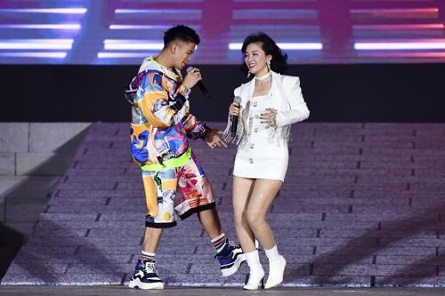 """Bùng nổ """"Đại tiệc của thần Ánh sáng"""" của Sun Group tại Nam Phú Quốc - ảnh 8"""