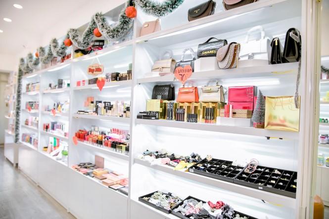 Lạc lối vào thiên đường mỹ phẩm, thời trang – Trần Phi Yến Store - ảnh 1