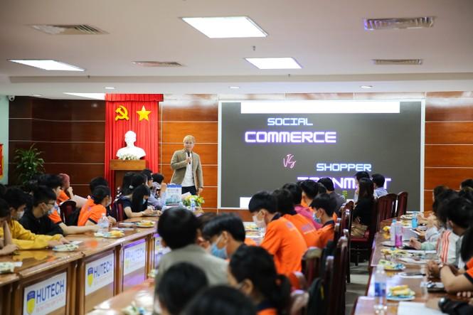 Sinh viên Thương mại điện tử HUTECH tham gia tọa đàm với doanh nghiệp từ năm nhất - ảnh 3