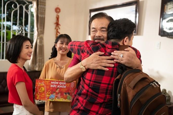 Trà Dr Thanh 'đốn tim' người xem với MV tri ân cha mẹ ngày Tết của Trà Dr Thanh - ảnh 1