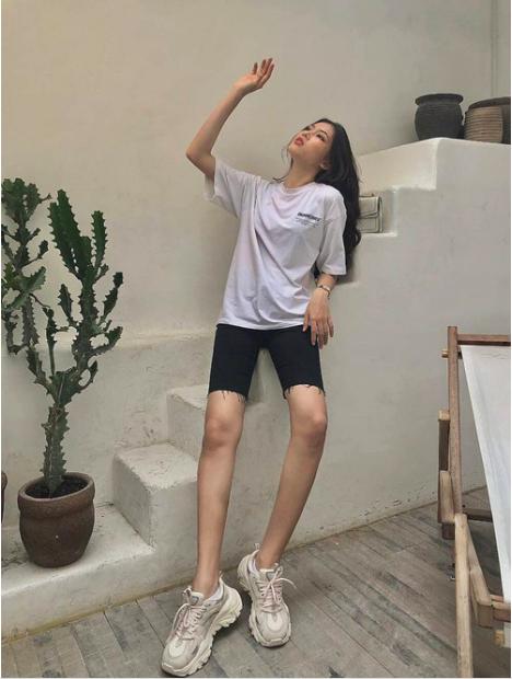 Những hình ảnh đời thực giản dị và xinh đẹp của Top 3 Hoa Hậu Việt Nam 2020 - ảnh 13