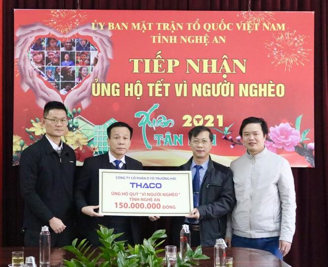 Thaco tặng hơn 17 tỷ đồng chăm lo tết cho người nghèo - ảnh 1
