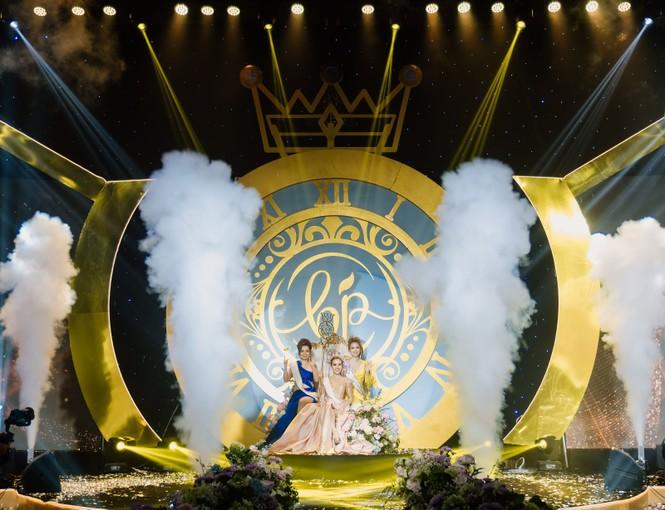 'Đêm tiệc Nữ Vương' hoành tráng, quy tụ dàn Tiktoker nổi tiếng và ca sĩ điển trai Quân A.P - ảnh 3