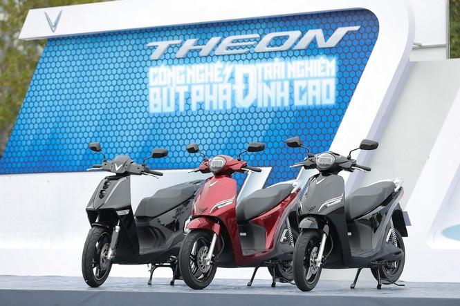 Trang bị đỉnh cao, bộ đôi xe máy điện 'hot' của VinFast sẽ được định giá như thế nào? - ảnh 1