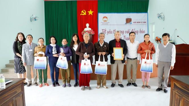 Hiệp Hội Nước mắm Việt Nam trao quà Tết 40 gia đình khó khăn  - ảnh 3