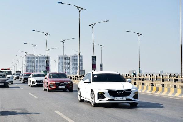 Vì sao các mẫu xe điện tự hành của VinFast trở thành tâm điểm của giới bình xe quốc tế? - ảnh 4