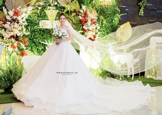 Chiêm ngưỡng váy cưới Top 10 được thiết kế bởi thương hiệu Ren Bridal Studio - ảnh 1