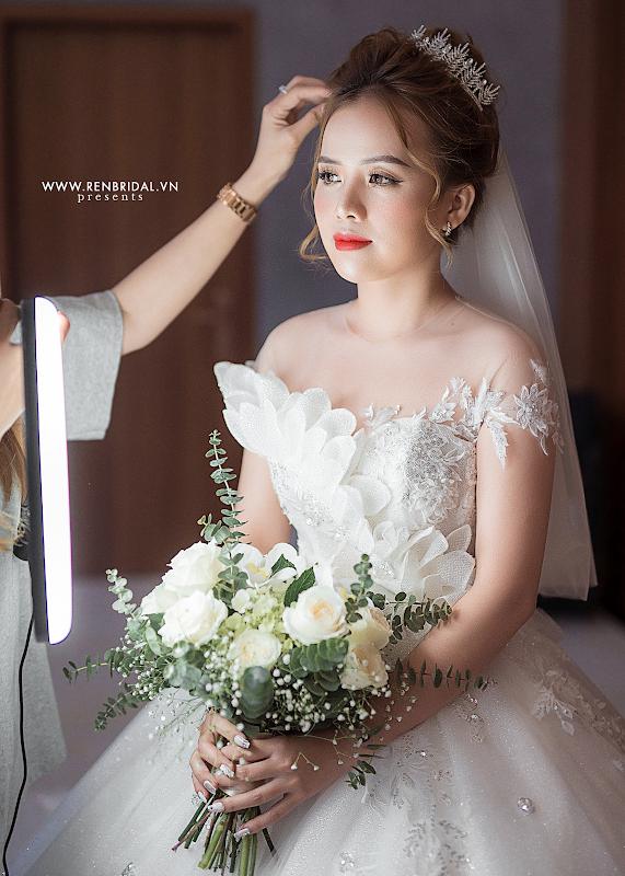 Chiêm ngưỡng váy cưới Top 10 được thiết kế bởi thương hiệu Ren Bridal Studio - ảnh 3