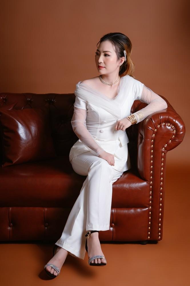 Xúng xính váy đẹp du xuân với Trần Ngọc Hằng Store - ảnh 2