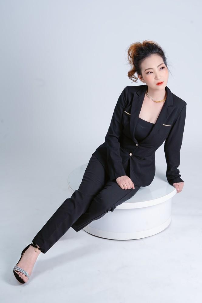 Xúng xính váy đẹp du xuân với Trần Ngọc Hằng Store - ảnh 3