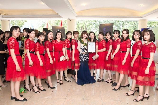 Xúng xính váy đẹp du xuân với Trần Ngọc Hằng Store - ảnh 4