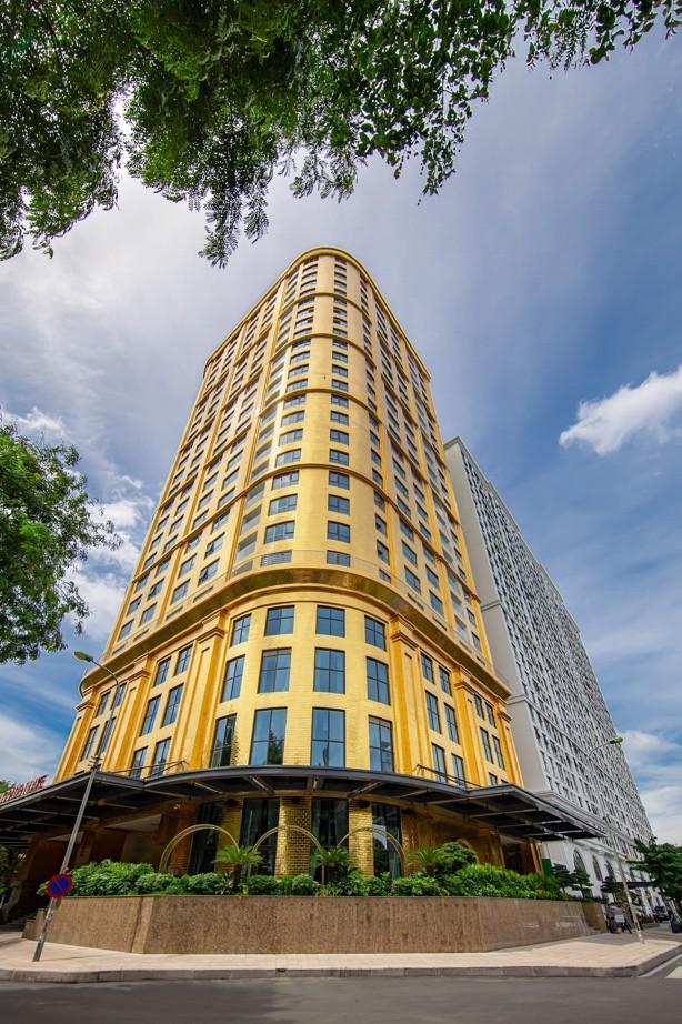 Khách sạn dát vàng lộng lẫy giữa lòng Hà Nội - ảnh 1