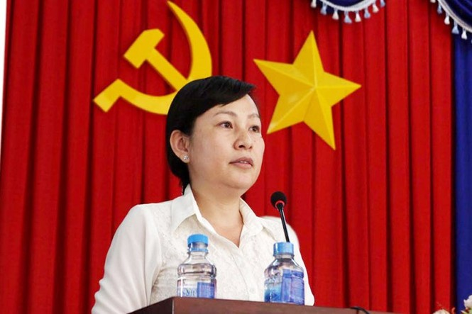 Bà Huỳnh Thị Hằng được giao tạm thời phụ trách UBND tỉnh Bình Phước - ảnh 2