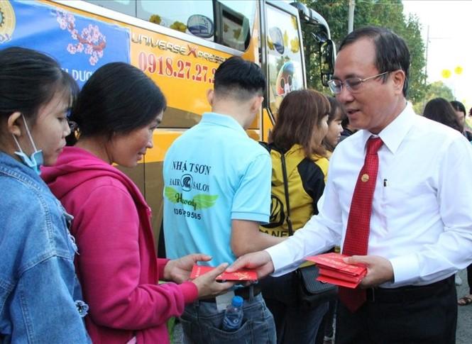 Bình Dương: 45.000 thanh niên có việc làm, tặng vé xe tết cho đoàn viên - ảnh 2